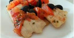 Nasello ai pomodorini e olive