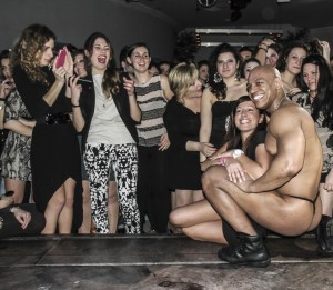 ragazze con strip tease man